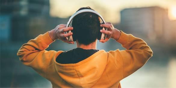 Bluetooth Kopfhörer & Kopfhörer mit Kabel im Vergleich – darin bestehen die Unterschiede