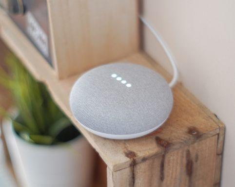 Der neue Google Nest Mini im Überblick