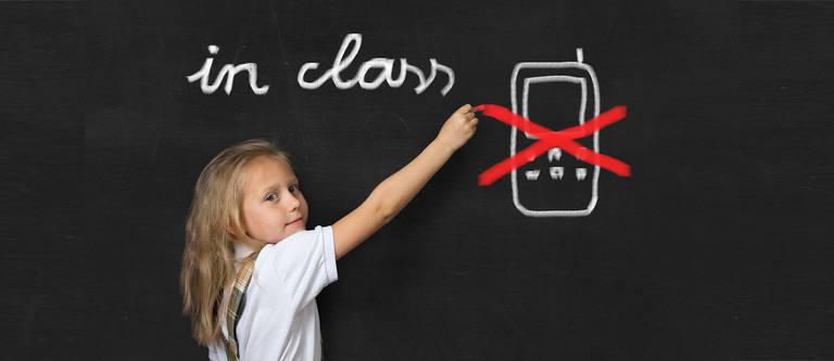 Handyverbot an Schulen: Das sind die Do's & Don'ts