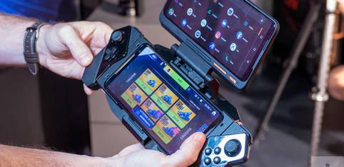 Dual-Screen Gaming