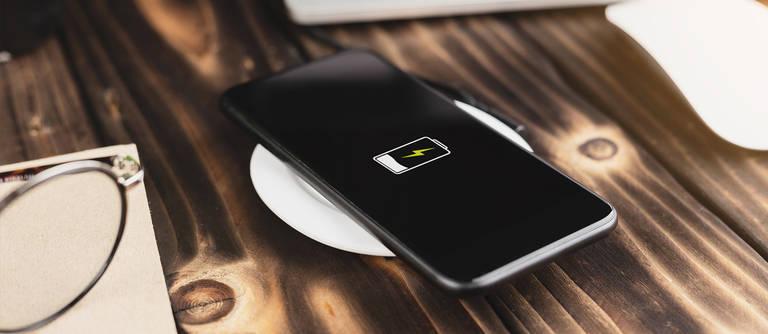Handys mit längster Akkulaufzeit und schnellster Aufladung